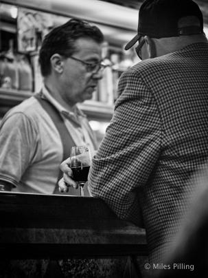 Venetian bar 1