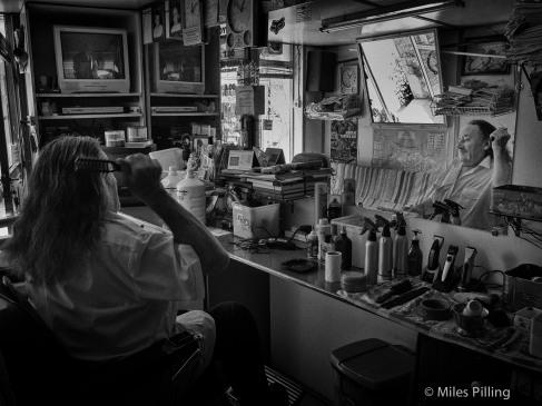 Barber in Polis